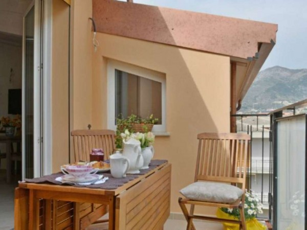 Appartamento in vendita a Loano, Pontassi, Arredato, 60 mq
