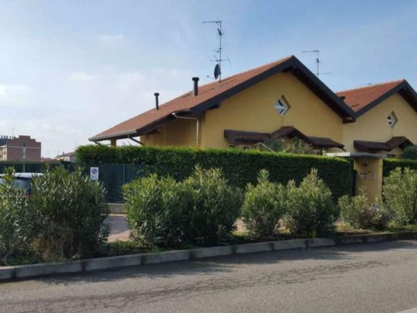 Villa in vendita a Cardano al Campo, Zona San Rocco, Con giardino, 200 mq
