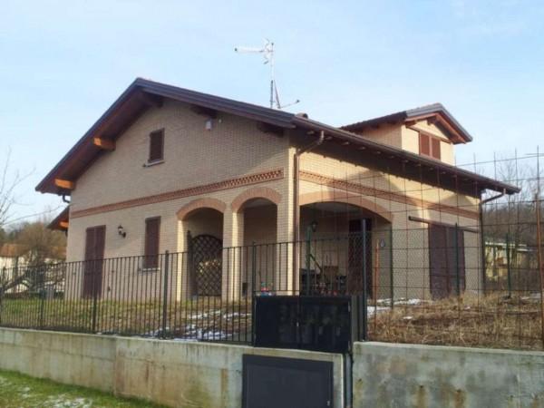 Villa in vendita a Buguggiate, Con giardino, 305 mq