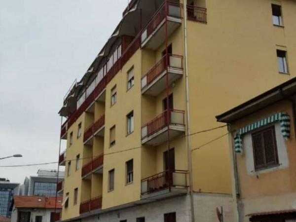 Appartamento in vendita a Gallarate, Centro, Arredato, con giardino, 65 mq