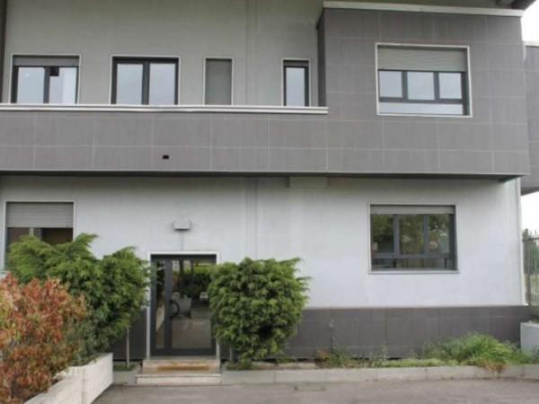 Ufficio in affitto a Buccinasco, 90 mq