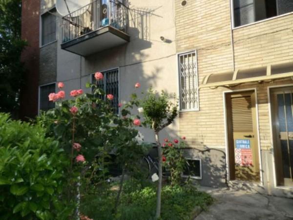 Appartamento in vendita a Baranzate, Zona Centro Fitness Virgin, 55 mq