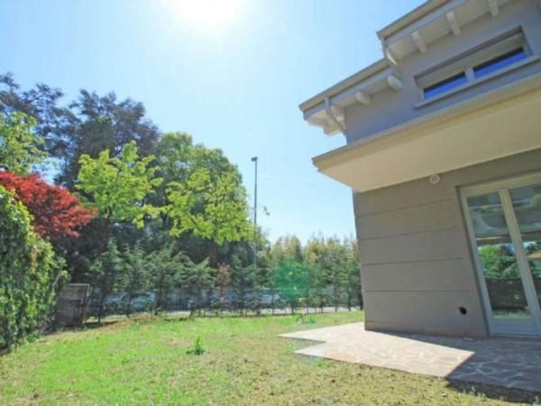 Villa in vendita a Cassano d'Adda, Con giardino, 200 mq