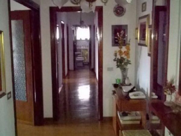 Appartamento in vendita a Legnano, Frati, 115 mq