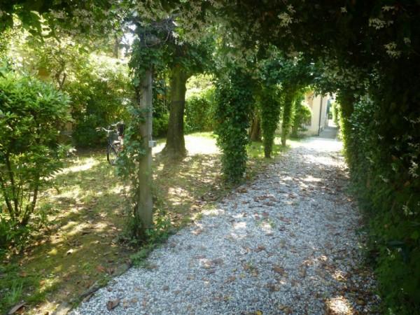 Villa in vendita a Forte dei Marmi, Via Piave, Con giardino, 110 mq - Foto 2