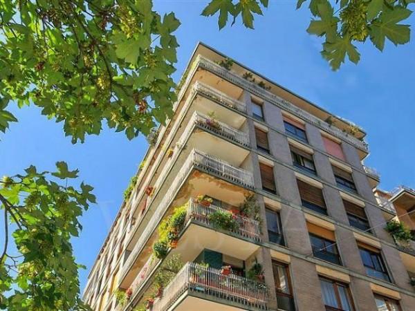 Appartamento in vendita a Milano, 62 mq