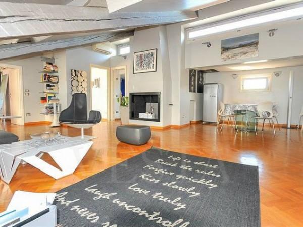 Appartamento in vendita a Milano, 155 mq