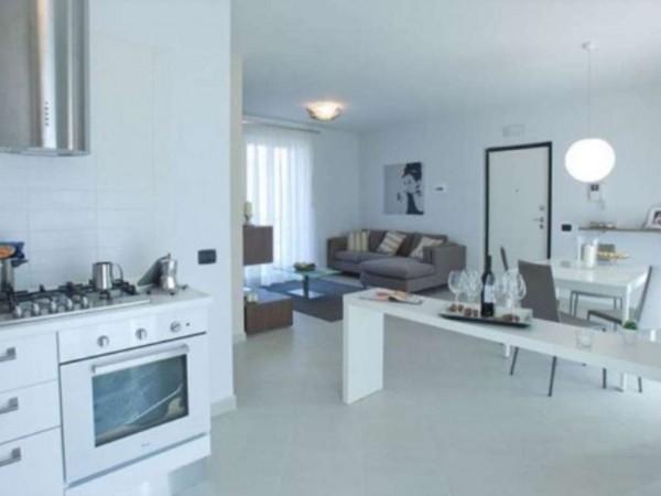 Appartamento in vendita a Caserta, Tredici, 92 mq
