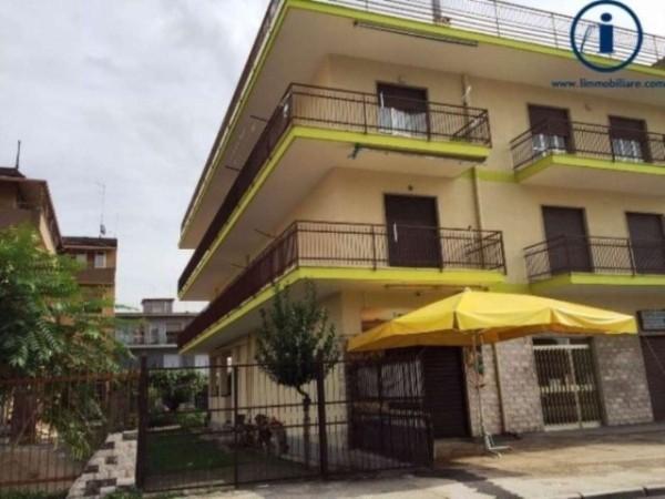 Immobile in vendita a Maddaloni, 460 mq - Foto 1