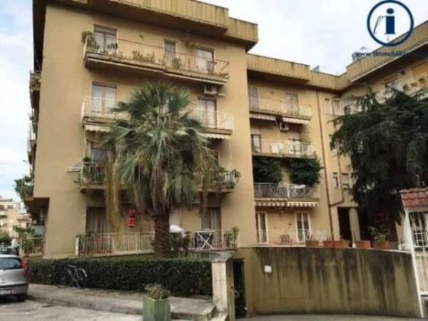 Appartamento in vendita a Caserta, Stazione, Università, 120 mq