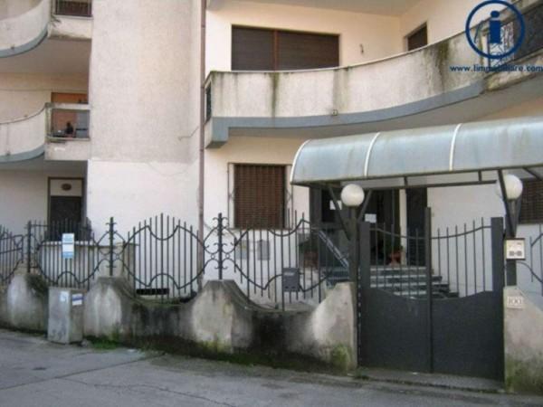 Appartamento in vendita a Caserta, Centro Storico, 65 mq - Foto 2