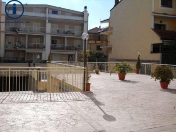Appartamento in vendita a Caserta, Tredici, 90 mq