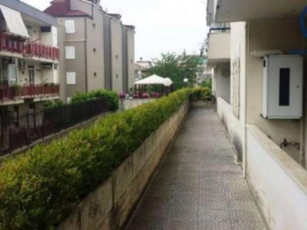 Appartamento in vendita a Caserta, Petrarelle, 105 mq - Foto 9