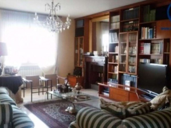 Appartamento in vendita a Caserta, Stazione, Università, 140 mq