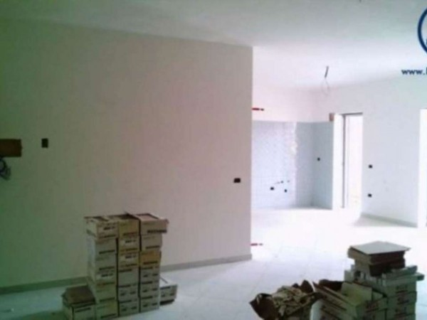 Appartamento in vendita a Caserta, Tredici, 85 mq