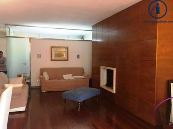 Villetta a schiera in vendita a Caserta, 250 mq