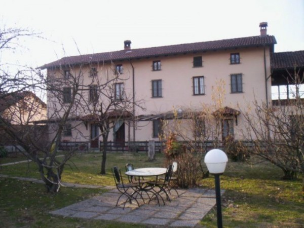 Rustico/Casale in vendita a Acqui Terme, 330 mq