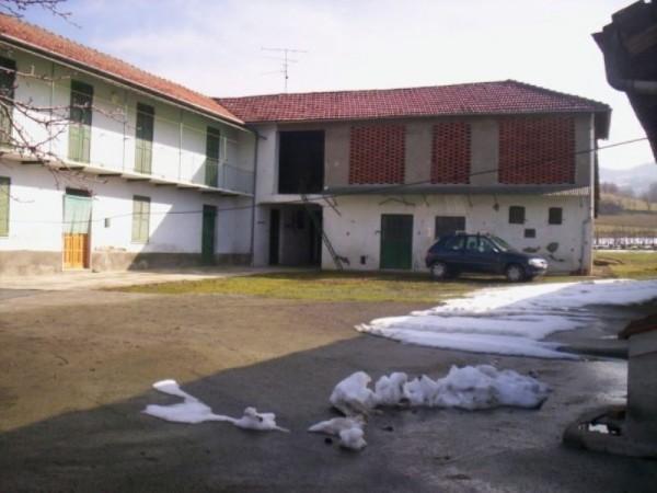 Rustico/Casale in vendita a Acqui Terme, 600 mq