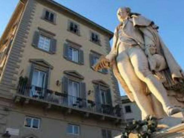 Locale Commerciale  in vendita a Firenze, Santa Maria Novella, Arredato, 700 mq