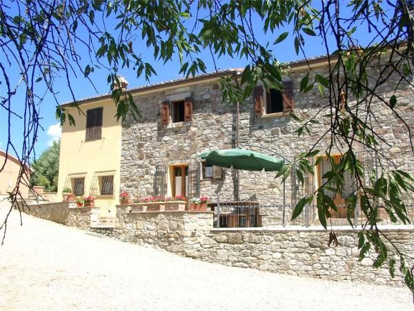 Casa Con Giardino Terni : Rustico casale in vendita a terni arredato con giardino