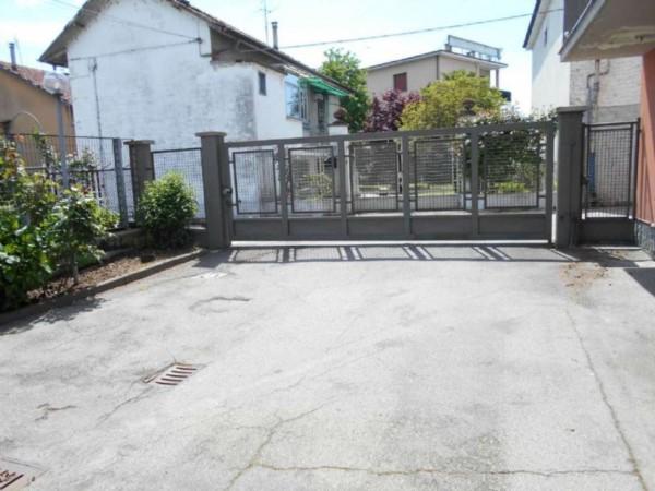 Casa indipendente in vendita a Moncalieri, Strada Carignano, Con giardino, 300 mq - Foto 3