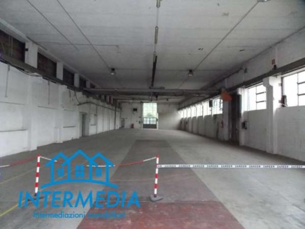 Locale Commerciale  in vendita a Rozzano, Con giardino, 3200 mq - Foto 5