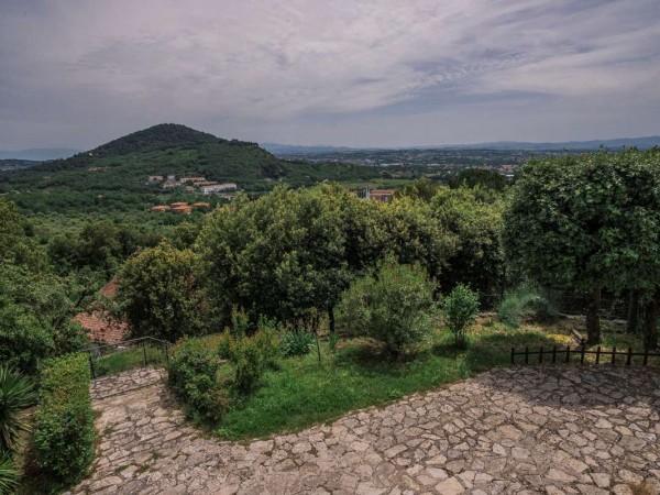 Villa In Vendita A Perugia Olmo Con Giardino 300 Mq