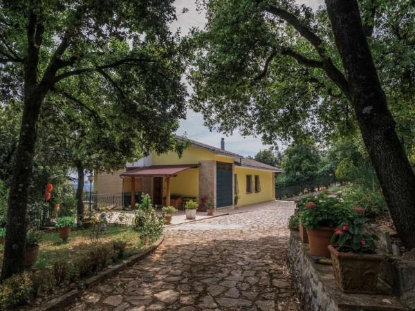 Villa in vendita a Perugia, Olmo, Con giardino, 300 mq