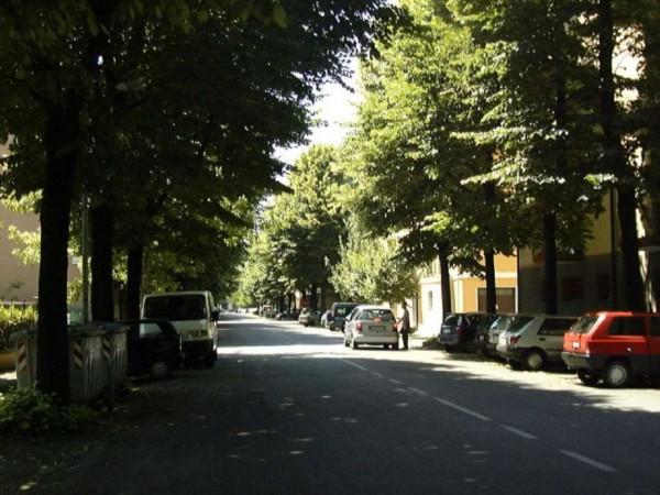 Negozio in vendita a Modena, 65 mq