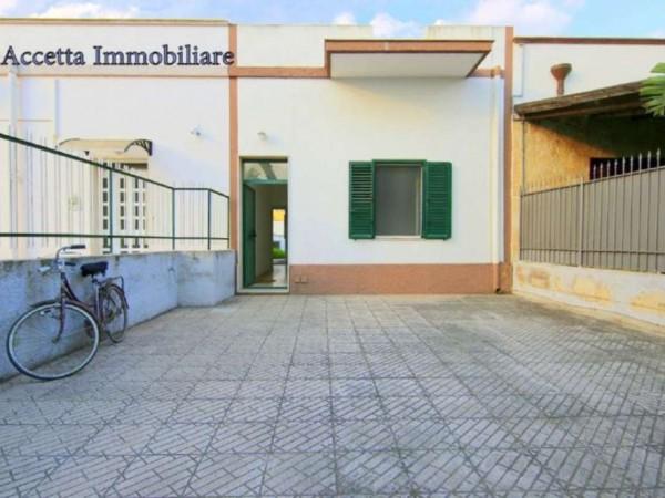 Villa in vendita a Taranto, Residenziale, Con giardino, 64 mq