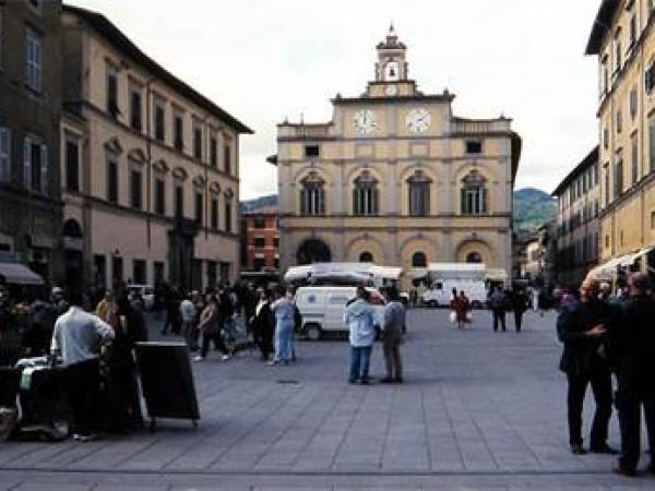 Locale Commerciale  in vendita a Città di Castello, Centro Storico, 100 mq