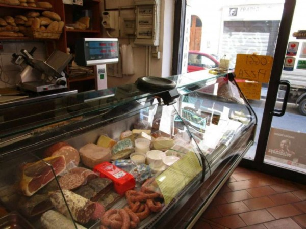 Locale Commerciale  in vendita a Firenze, Arredato, 65 mq