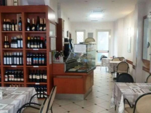 Locale Commerciale  in vendita a Asti, Centro, Arredato, 150 mq