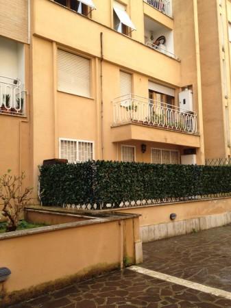 Appartamento in vendita a Roma, Cecchignola, Con giardino, 55 mq
