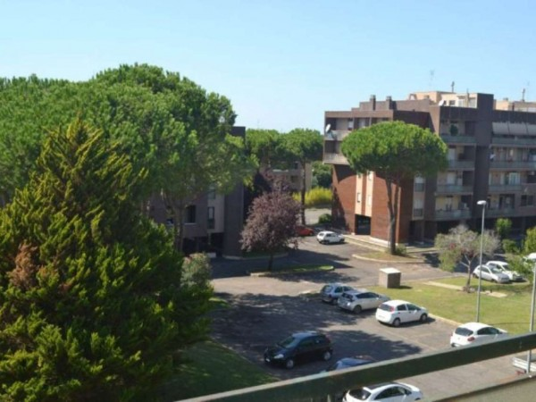 Appartamento in vendita a Roma, Acilia, 85 mq