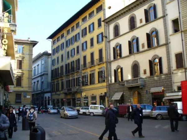 Locale Commerciale  in vendita a Firenze, Stazione, Arredato, 700 mq