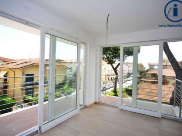 Appartamento in vendita a Camaiore, 110 mq - Foto 1