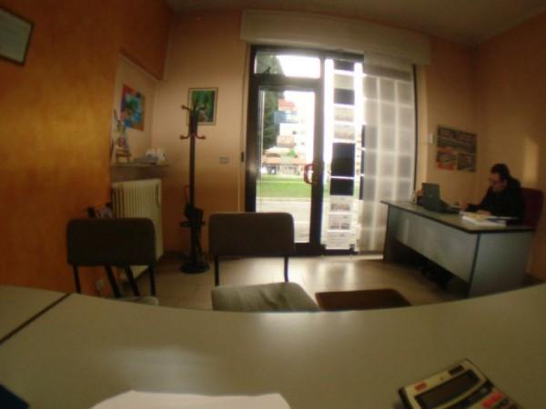 Appartamento in vendita a Caronno Pertusella, Pertusella, Arredato, con giardino, 55 mq - Foto 3