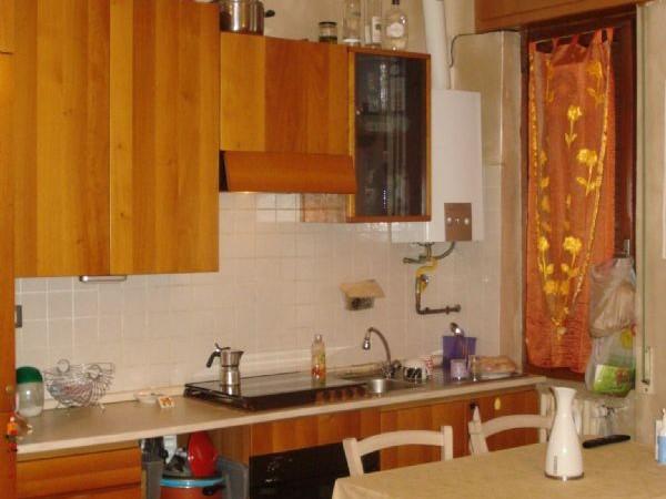 Appartamento in vendita a Caronno Pertusella, Pertusella, Arredato, con giardino, 55 mq