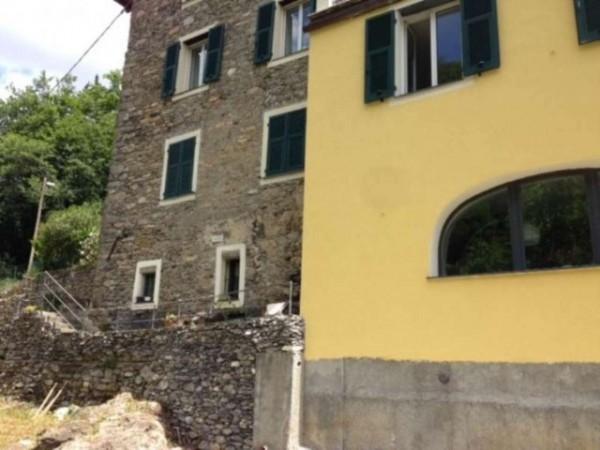Casa indipendente in vendita a Avegno, Con giardino, 90 mq