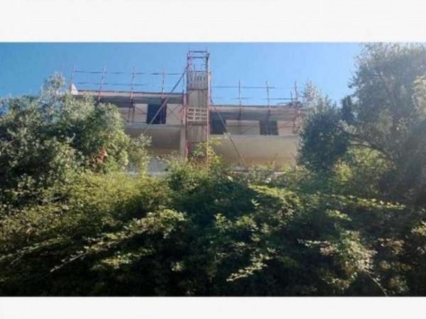 Villetta a schiera in vendita a Avegno, Con giardino, 120 mq
