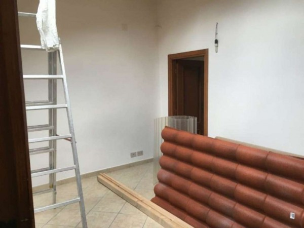 Appartamento in vendita a Susa, Centro Storico, Arredato, con giardino, 60 mq - Foto 2
