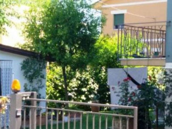 Casa indipendente in vendita a Cesena, Ponte Abbadesse, 230 mq