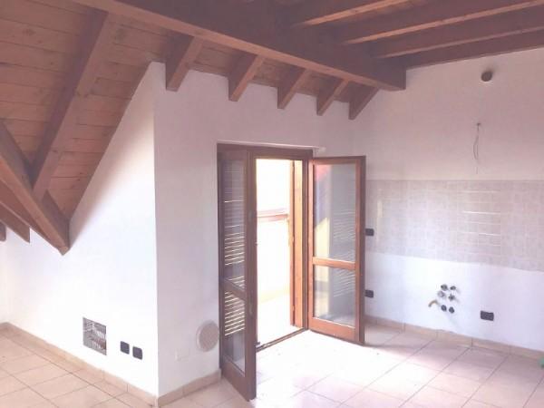 Appartamento in vendita a Busto Arsizio, Borsano, 65 mq