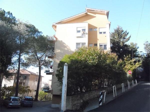Quadrilocale in vendita a Perugia, Elce, Con giardino, 110 mq