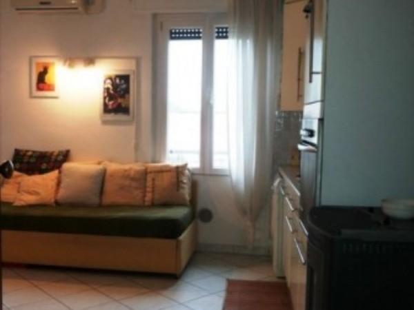 Appartamento in vendita a Forlì, Vittorio Veneto, Arredato, con giardino, 50 mq