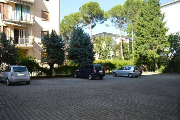 Appartamento in vendita a Forlì, Medaglie D'oro, Con giardino, 90 mq