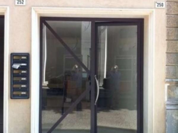Negozio in vendita a Forlì, 25 mq