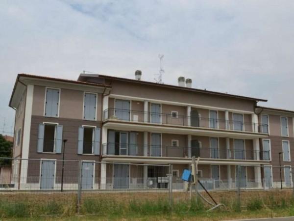 Appartamento in vendita a Maranello, Centrale, Con giardino, 130 mq