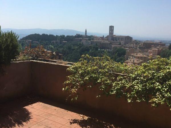 Rustico/Casale in affitto a Perugia, Centro Storico, Arredato, 270 mq - Foto 1